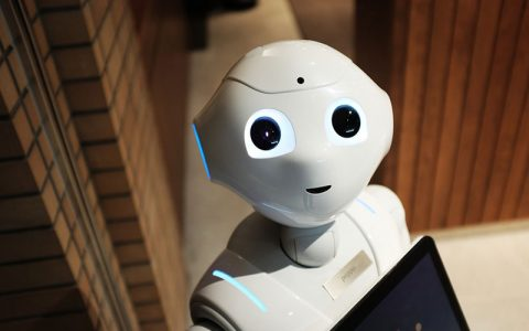 智能机器人重点应用于安防行业